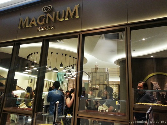4th of July: Magnum Manila Cafe